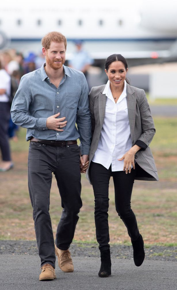 afd9f55393680 Clever tricks pregnant Meghan Markle used in royal tour outfits with baby  bump in mind - NEWSCABAL